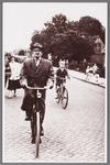WAT002001302 Koenraad Alouisius (Koen) van Velzen, in 1890 geboren te Enkhuizen, werkte bij Hollandia en werd daarna ...