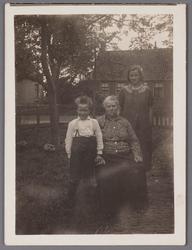 WAT002001304 Mevrouw de Groot (meisjesnaam Maartje Holkamp (1877) getrouwd met Maarten de Groot bijnaam Maarten Hobbel) ...