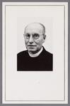 WAT002001348 Paulus Cornelis Gerardus Visser, geboren op 10 november 1908 te Haarlem. Hij is op 10 juni 1933 gewijd tot ...