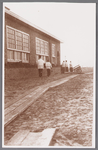WAT002001383 Pastoor Kooij op weg naar de inwijding van de Rooms-katholieke jongensschool Sint Jozef.