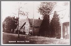 WAT002001438 Foto v.r.n.l. Sparwinkel van Jac. Rozendaal (Dorpsstraat 373), Doopsgezinde Vermaning, kerk uit 1850, ...