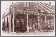WAT002001446 Café ''De Tijdgeest'' van Dirk Eenhoorn, Dorpsstraat 373, later overgenomen door Jac. Roozendaal, hij ...