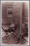 WAT002001486 Foto v.l.n.r. Hendrikus Jacobus (Henk) Conijn (1923) en zijn broer Jacob Hendrikus (Jaap) Conijn (1922)