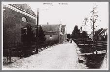 WAT002001439 Foto v.l.n.r. Doopsgezinde Vermaning kerk uit 1850, Dorpsstraat 371, daarnaast café ''De Tijdgeest'' van ...