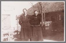 WAT002001510 Riena de Vries met haar moeder.