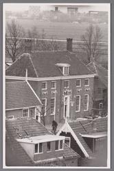 WAT002001527 Het oude raadhuis, gebouwd als koopmanshuis omstreeks 1660.Vanaf 1818 in gebruik genomen als raadhuis.In ...