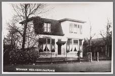 WAT002001662 Foto links; Hervormde pastorie uit 1912.