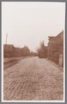 WAT002001678 Hek van pastorie en links achter het oude raadhuis, gemeentehuis.Het oude raadhuis van Wormer, gebouwd als ...