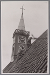 WAT002001704 Dak van de Nederlandse Hervormde Kerk van Wormer.Nederlandse Hervormde Kerk. Zaalkerk uit 1807 met houten ...