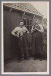 WAT002001642 Schoenmaker Christiaan (Chris) Best (geboren in 1888) met zijn zoon Willem Best (geboren in 1912).
