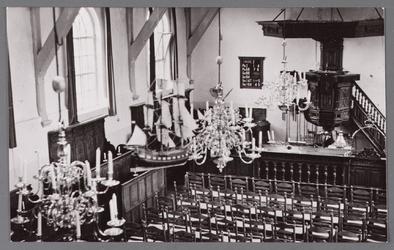 WAT002001736 Interieur van de Nederlands Hervormde Kerk met kerkscheepje.Nederlandse Hervormde Kerk. Zaalkerk uit 1807 ...