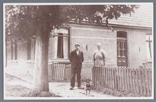 WAT002001777 Pieter (Piet) Rep, geboren in 1885 met zijn vrouw Rep-de Waal (meisjesnaam Gijsje de Waal, geboren in ...