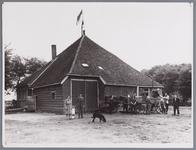 WAT002001981 De boerderij van Jo Verdonk in de Enge Wormer, waar de burgerlijke stand en bevolkingsregister van Wormer ...