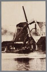 WAT002002155 Oliemolen ''De Spatter'' gebouwd in 1788, gesloopt in maart 1901.Aandrijving; windmolen, type; stellingmolen.