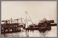 WAT002002123 Vernieuwing van de Zaanbrug, door middel van een hijskraan op een ponton.Bovendeel van de brug word geplaatst.
