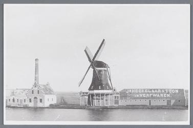 WAT002002194 Oliemolen ''De Witte Duif'' gebouwd in 1680, aandrijving; windmolen, type; stellingmolen.Cornelis Hekelaar ...