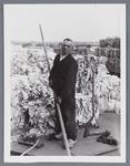 WAT002002503 Nicolaas Oudt, (geboren op 1-5-1890) werkzaam als grondstoffenlosser bij papierfabriek Van Gelder.