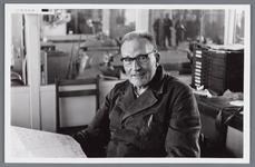 WAT002002545 Jan Kelder is op 30 september 1909 in dienst getreden bij papierfabriek Van Gelder.Op 30 september 1959 ...