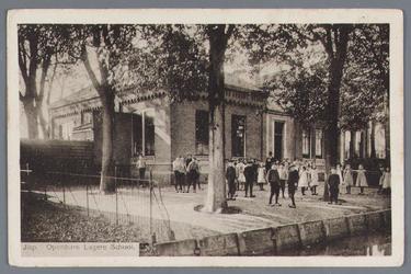 WAT002002673 Openbare Lagere School'Inrighting in slegten toestand'. Dit werd vermeld over de school in het jaar 1874. ...