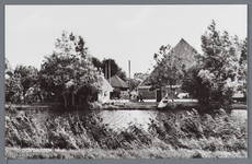 WAT002002966 Stolpboerderij langs een Ringvaart.