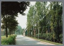 WAT002003040 Stolpboerderij aan het Oosteinde te Oosthuizen.