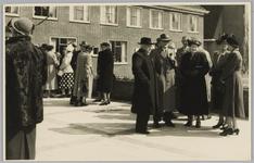 WAT001017998 Officiële opening Rusthuis De Keern met o.a. Ds. Binnema, mevr. Binnema, Weth. Alb. Bakker.