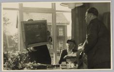 WAT001018136 Opening rusthuis De Keern (nu Oude Keern).De heer G. Damme die het gebouw had geschilderd dankte voor de ...
