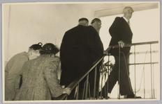 WAT001018141 Opening rusthuis De Keern (nu Oude Keern).Rechts: de heer dr. J. E. Baron De Vos van Steenwijk commissaris ...