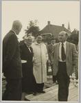 WAT001017997 Officiële opening verzorgingshuis de Keern . Van links naar rechts Hr. K.L. Goede Jr, mevr. Wieberdink, ...