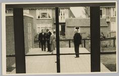 WAT001018142 Opening rusthuis De Keern (nu Oude Keern).Rechts: de heer dr. J. E. Baron De Vos van Steenwijk commissaris ...