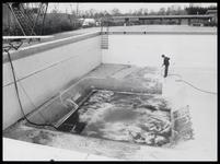WAT003000081 Schoonmaken zwembad, gevolgd door schilderen