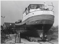 """WAT003002928 Foto: Schip """" Mira 1"""" op de werf voor de transformatie.Na één jaar verbouwen is de oude vrachtcoaster Mira ..."""