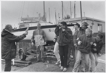 WAT003002932 Foto: Watersportvereniging Monnickendam liet op 27 september 1993 de nieuwe aanwinst kajuitboot Snip, te ...