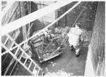 WAT003002959 Sluis in Monnickendam werd schoongemaakt.