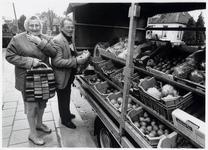 WAT003003198 Foto: Willem de Boer, scheidend groenteventer in Landsmeer, zet na 35 jaar lang zes dagen in de week ...