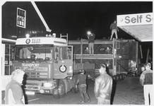 WAT003003802 Transportbedrijf Saan uit Amsterdam vervoerde een eiertransportmachine door Landsmeer.Waarschijnlijk ...
