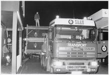 WAT003003806 Transportbedrijf Saan uit Amsterdam vervoerde een eiertransportmachine door Landsmeer.Waarschijnlijk ...