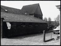 WAT003003861 Boerderij, zijkant stal + hooiberg.