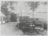 WAT003003866 Tweede gebouw links het oude Raadhuis van Ilpendam.Op 9 december 1916 is dit pand aangekocht door de ...