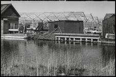 WAT003003895 Provincie wijst uitbreiding houthandel Sneek van de hand.Op de foto de bouwwerkzaamheden aan de drie grote ...