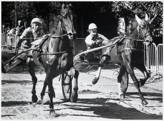 WAT003004143 Jan van Laarhoven is met zijn paard Diamond Tonka winnaar geworden van de 'wilde' kortebaandraverij, die ...