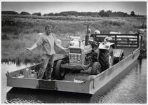 WAT003004215 Je moet er wat voor over hebben als boer in Waterland.