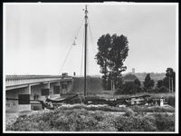 WAT003005370 Boot voor viaduct
