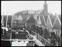 WAT003006162 Als gevolg van een zware noordwester storm brak in januari 1916 de Waterlandse Zeedijk tussen Monnickendam ...