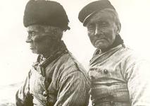 WAT006003707 Kossie Bruun en Piet Jonk de haringteller. Klaas Schout 'Kossie Bruun', geboren 23-07-1844, overleden ...