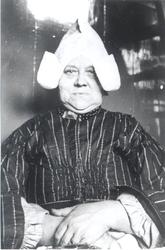 WAT006004133 Grietje Keizer (Griet van Sijmen van Kleppertje), geboren 21-03-1875 te Volendam, overleden 12-01-1965 te ...
