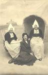 WAT006004247 Geertje Bootsman gehuwd Free Veerman 'van Jamin') en Antje Runderkamp, (Antje van de pastorie), geboren ...