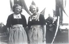 WAT006004289 Lijst en Jannig Steur 'Drum' Elisabeth Catharina Steur (Lijst Drum), geboren op 13-01-1927 te Volendam, ...