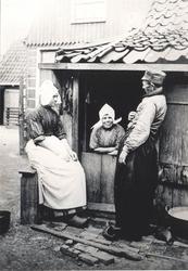 WAT006004422 1. Geertje Kil, geboren op 07-02-1853 te Volendam, overleden op 22-04-1924 te Volendam op 71 jarige ...