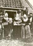 WAT006004852 1.Geertje Molenaar (Gaartje Peterolie') geboren op 17-09-1850, overleden op 09-11-1939, dochter van Jaap ...